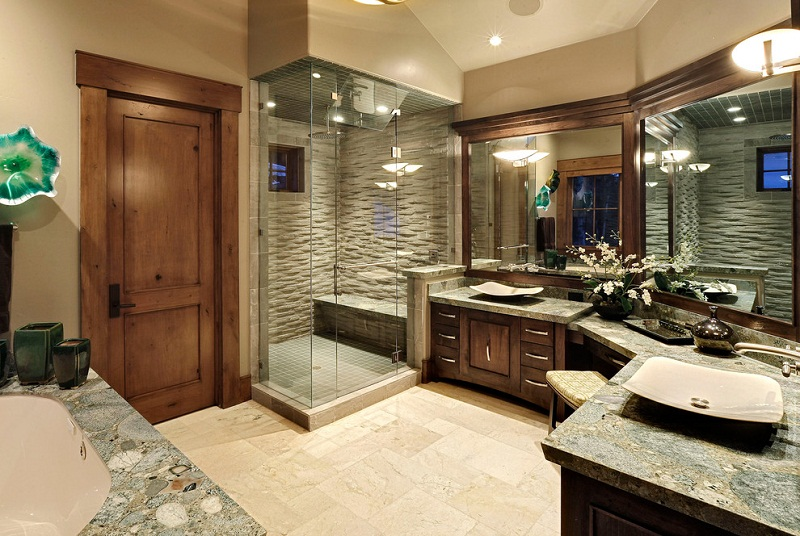 Luxury-Bathroom-with-Beautiful-Lighting