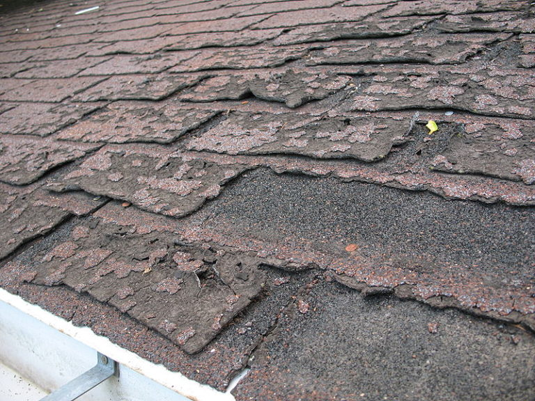 roof problems 800px-Failure of asphalt shingles allowing roof leakage